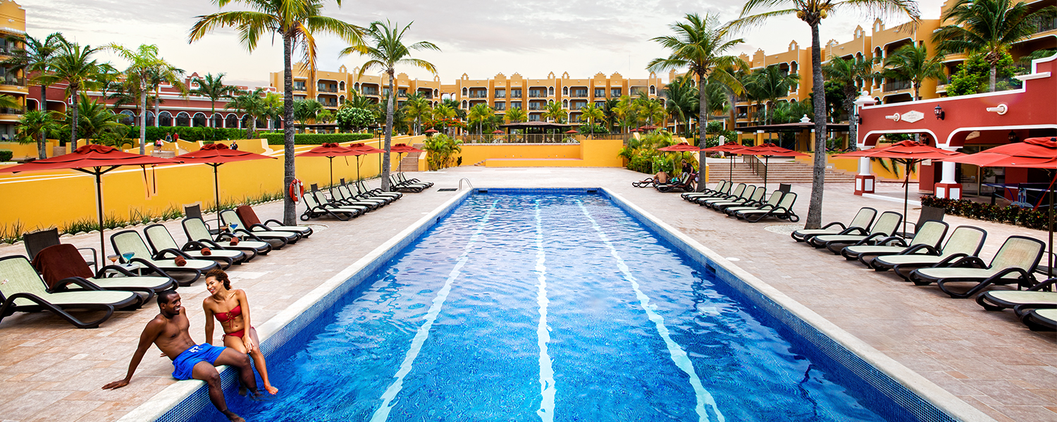 Royal Resorts Family-friendly resorts in Cancun